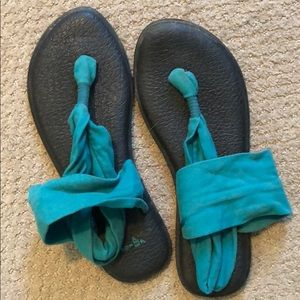 Sanuk teal sandals